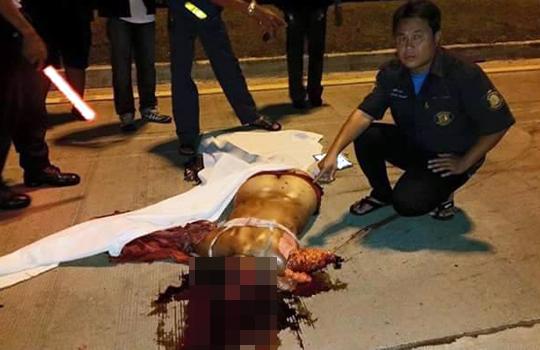 【グロ動画】壮絶な事故現場。女性ライダーがお尻と脳ミソを丸出しにして死亡。