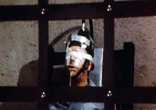 【グロ動画:死刑】電気椅子で死刑をする映像・・・痙攣が止まらない;