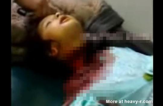【閲覧注意】父親に殺された可愛い幼女・・悲惨すぎる斬首映像