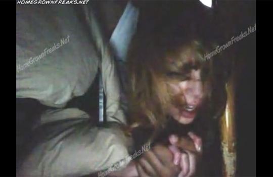 【本物レイプ】父親が泣いてる金髪美少女の娘を後ろから犯すガチレイプ映像・・・