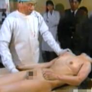 【グロ動画】可愛い女の子の死体を剖検していく 内蔵や女性器を調べていく無修正解剖映像
