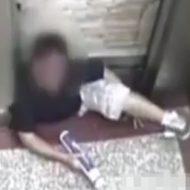 【閲覧注意】エレベーターに挟まれた人が死ぬまでの内部カメラ記録・・・ in中国