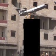 【閲覧注意】ISISに撃墜されたイラク空軍パイロット→ぐちゃぐちゃ死体のまま磔の刑にされる・・・
