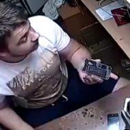 【衝撃映像】iphoneの修理屋さんで起きた事件!こうなりたくなかったら自分で分解するなよwwwww