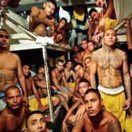 【グロ 動画】この世界の最底辺はブラジルの刑務所だったということがわかるマジキチ殺人動画