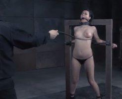 【エロ拷問】女スパイ捕まえたので今からおっぱい拷問して持ってる情報全部吐かせてみるw ※無修正
