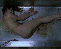 【全裸死体】JKの綺麗な死体を解剖前に水洗いして下準備するから興味あるやつはちょっと来てくれ ※エログロ動画