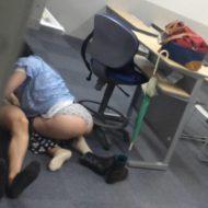 【JD流出】某大学の教室でセックス盗撮されたバカップル発見w今年就活やったよね???→結果 ※エロ画像