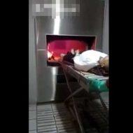 【火葬映像】人間の死体を火葬する瞬間って見たことある???焼き場に入れたらすぐに燃えるんだね・・・ ※グロ動画