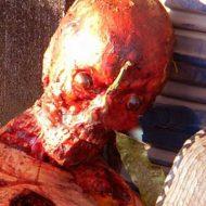 【解体死体】顔の皮剥いでタバコ咥えて メキシコカルテルさんが用意した死体が見せしめ至上過去最高の出来w ※グロ画像