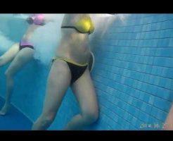 【本物盗撮】ピッチピッチのギャル達が居るプールに潜入し水中カメラ仕掛けた結果 ムラムラしてきて取りあえずパンツ脱いでもたw ※無修正エロ動画