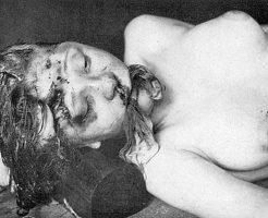 【グロ画像】めっちゃくちゃ苦しそうな殺され方した全裸美少女さんの死体をコレクションしてみたよwww ※惨殺 女