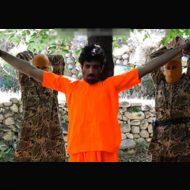 【isisグロ動画】イスラム国最新処刑映像 生きたまま両腕切断からの斬首して首を踏みつける・・・