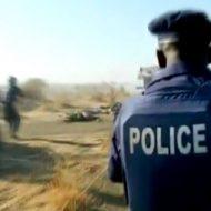 【グロ動画】土人国家の警察さん 市民をマシンガンで射殺しとったんやが・・・ これってええんか??? ※殺人映像