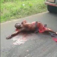 【トラウマ注意】肉片飛び散る事故現場 トラックに轢かれ手足がもげた男の動きがくっそ怖い・・・