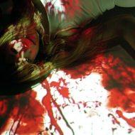 【閲覧注意】バスに頭を押し潰された少女のグロ画像・・・