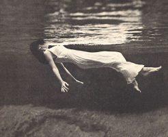 【グロ画像】レイプされて殺害 海に捨てられどざえもん(水死体)になった女の子が無残過ぎる・・・