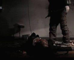 【閲覧注意】拉致した女子校生をナイフで刺しまくって殺害するマジでキチガイな映像が発見される・・・