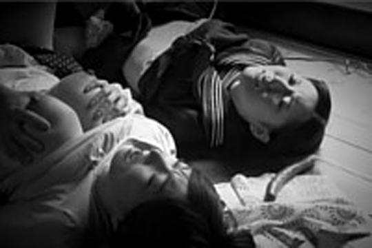 【ガチレイプ】昭和の片田舎で起こった婦女暴行事件 母と女学生の娘を連続で強姦してくる鬼畜の所業がコレ